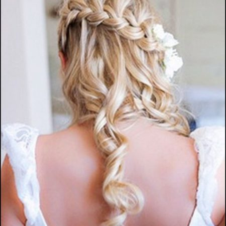 Curly-wedding-hairstyles-for-women-4